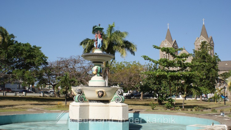 Basseterre – Brunnen am Independence Square